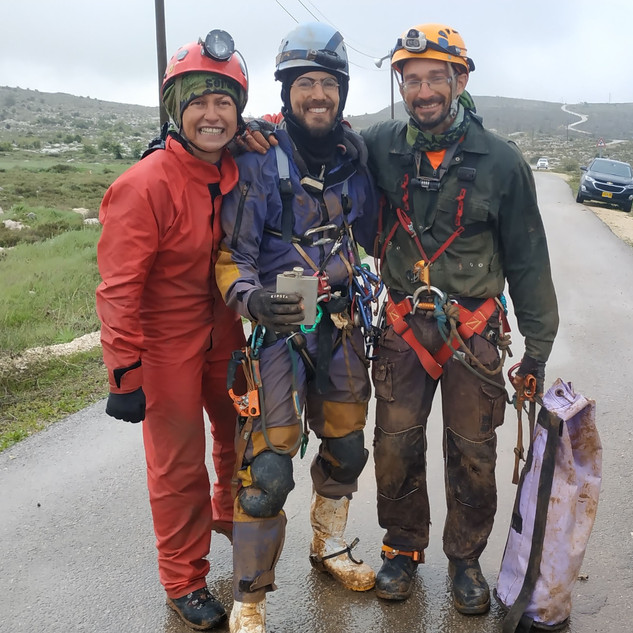 Cave rescue israel