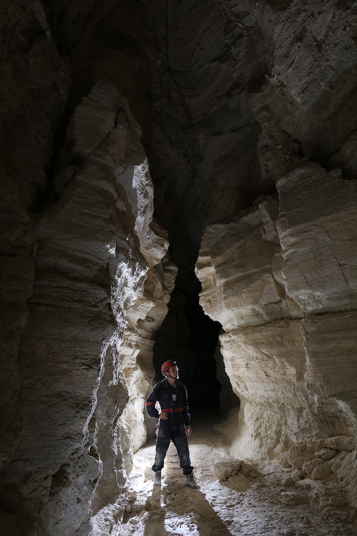 המחילה הראשית במערת הקמח