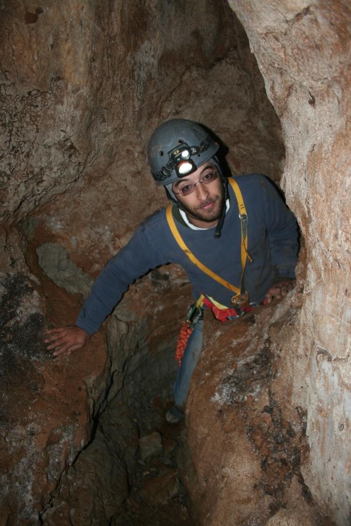 במעבר אל החלל הפנימי ביותר במערה