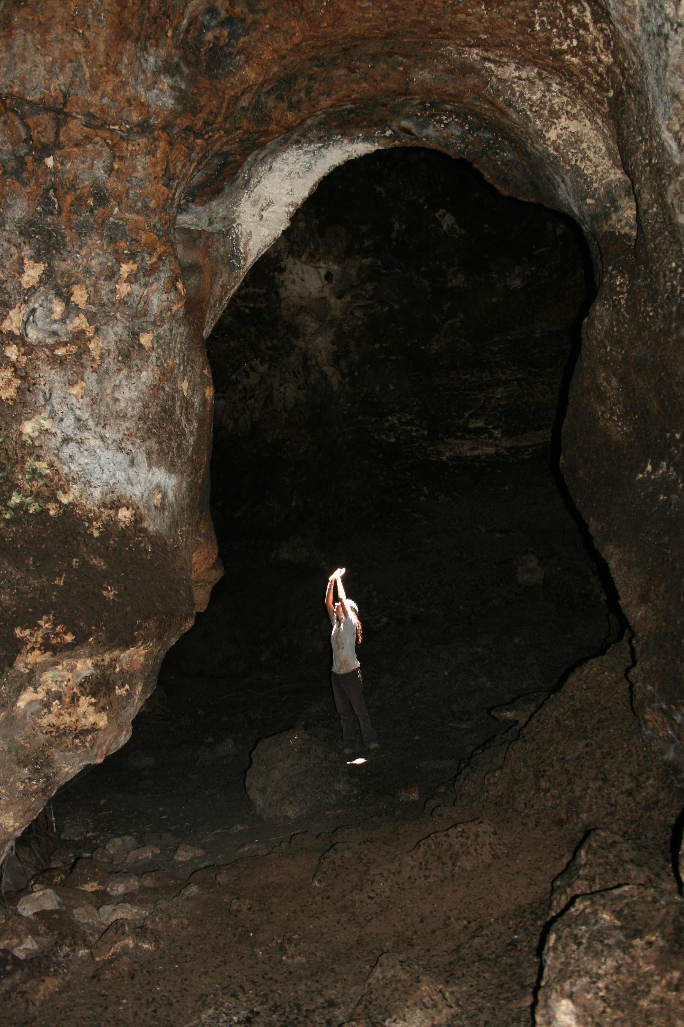 בקצה מסדרון המערה