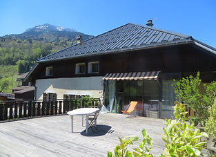 maison-valpeline-terrasse.JPG