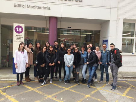 Students visit Neurovascular Research Lab