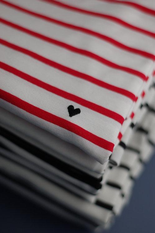 Красная бретонка Трувиль с вышивкой Сердечко