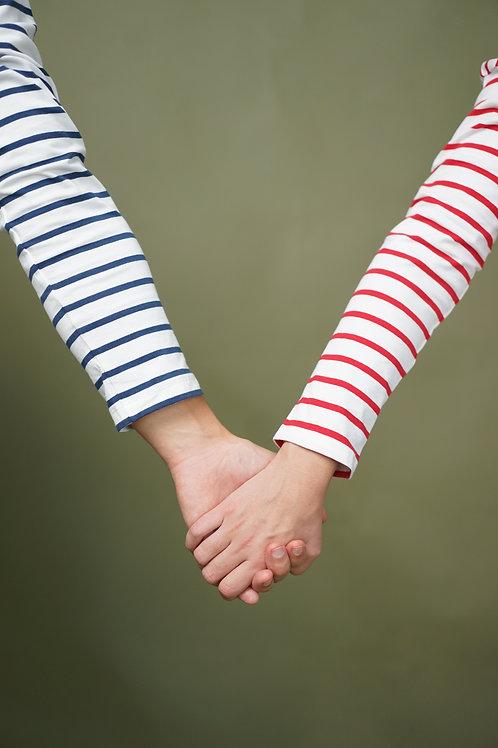 Family look: синяя мужская и красная женская бретонка с длинным рукавом