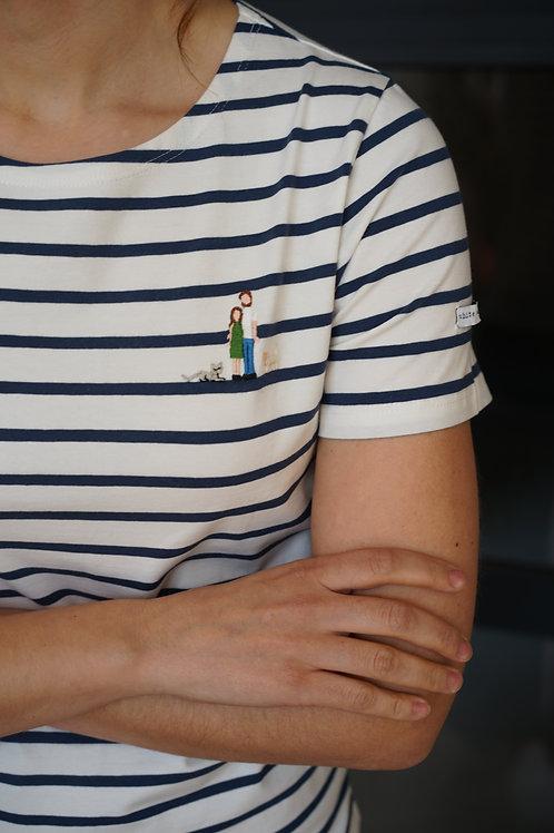 Женская синяя бретонка с коротким рукавом и вышивкой