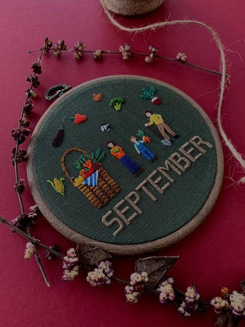 September вышивка в пяльцах