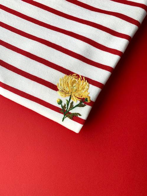 Красная бретонка с длинным рукавом с вышивкой
