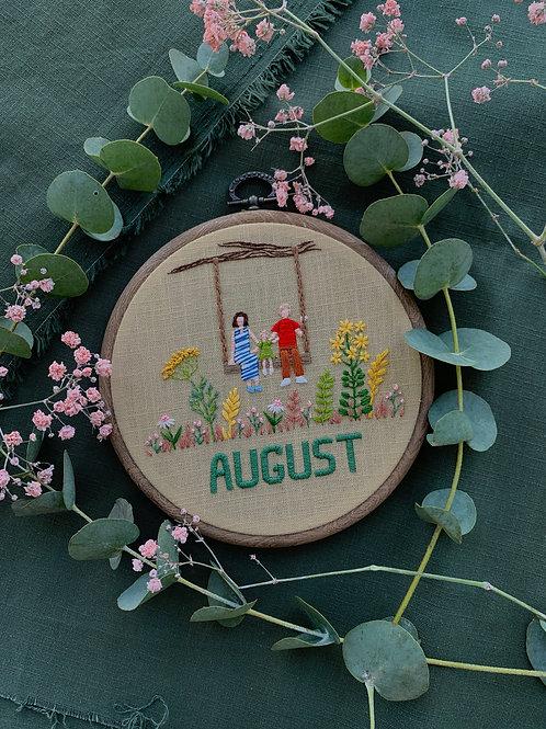 August вышивка в пяльцах
