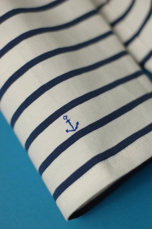 Синяя бретонка с якорем на рукаве