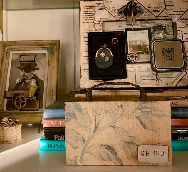 Assemblage art back with CERRO plate
