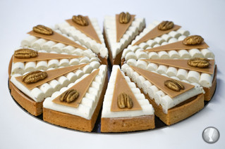 Tartelette triangulaire vanille-pécan-caramel