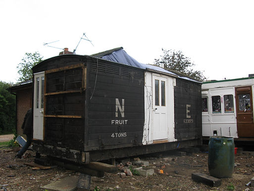 Passenger train cattle box 633023