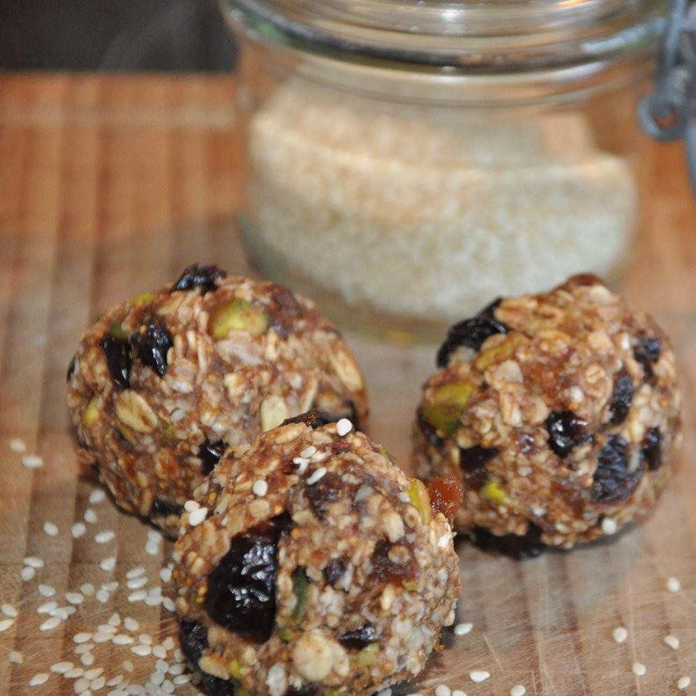 Raw energy balls by Foodie in Provence