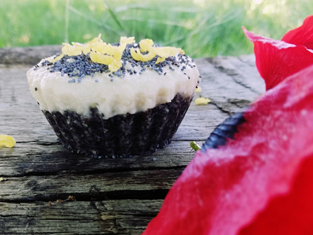 Raw Poppy Seeds Lemon Tarts