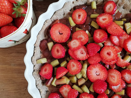 Simple Rhubarb and Strawberry Pie (gluten free and lactose free)