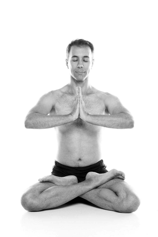 Yoga é fruto da cultura Sânscrita.