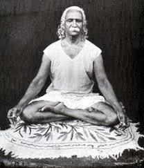Mestre contemporâneo de Yoga que atualizou o conceito ásana, entre outros.
