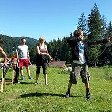 Tir_cu_arcul_-_Íjászat_-_Archery_-_Стрел