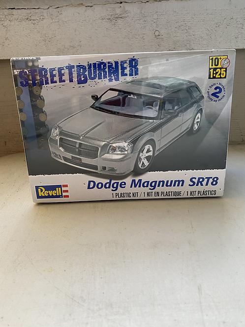 Revell dodge magnum SRT, street burner