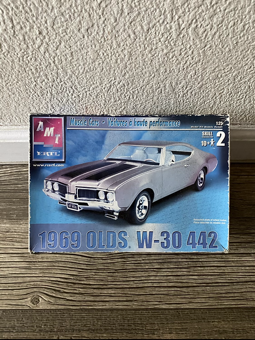 AMT 69 OLDS 442, W-30
