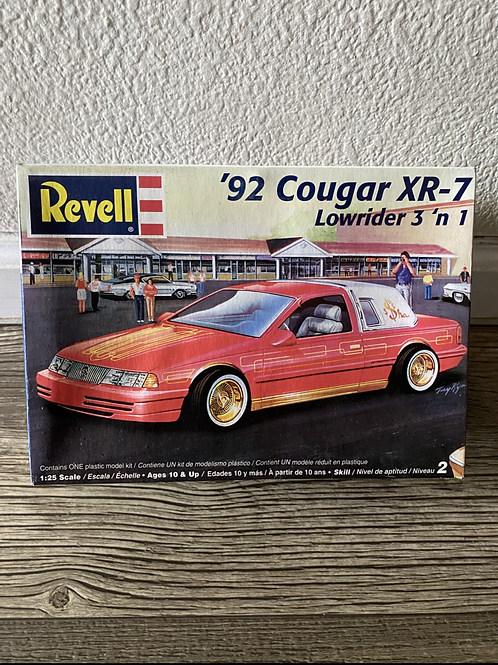 REVELL 92 COUGAR LOWRIDER