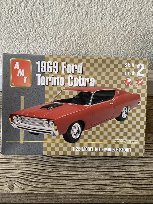 AMT 69 FORD TORINO COBRA