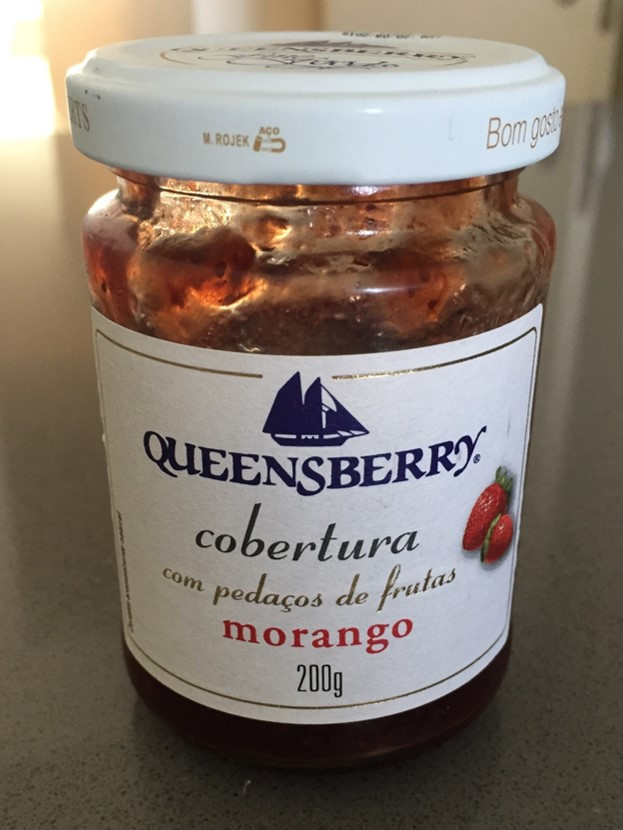 geleia cobertura queensberry morango para recheio do bolo