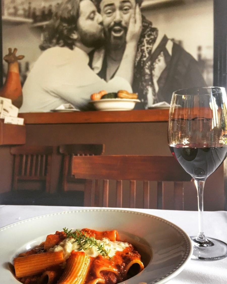 Casa Ravioli - Chef Roberto Ravioli - Rigatoni à bolonhesa com burrata