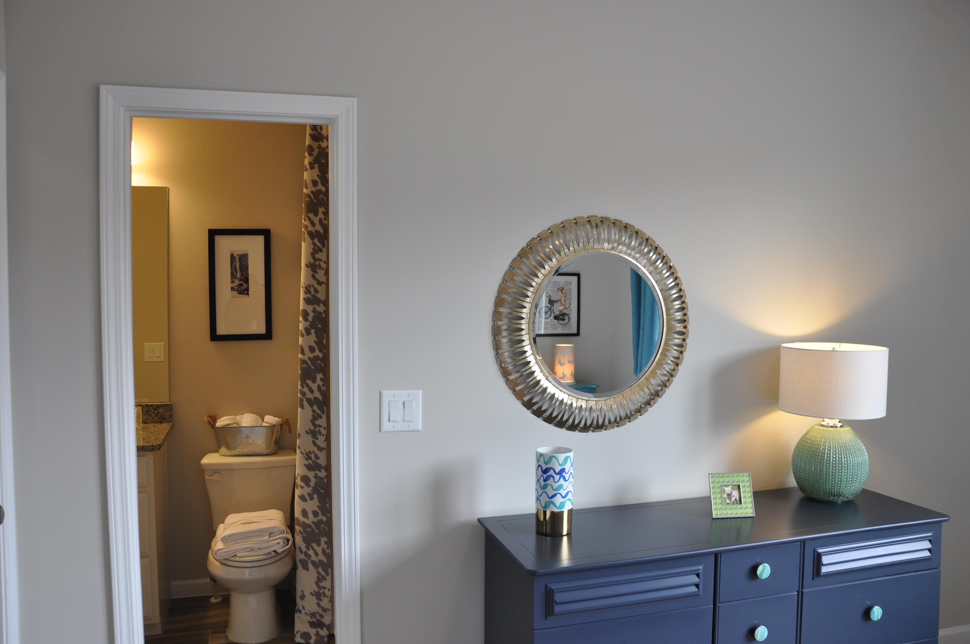 View of en suite bath
