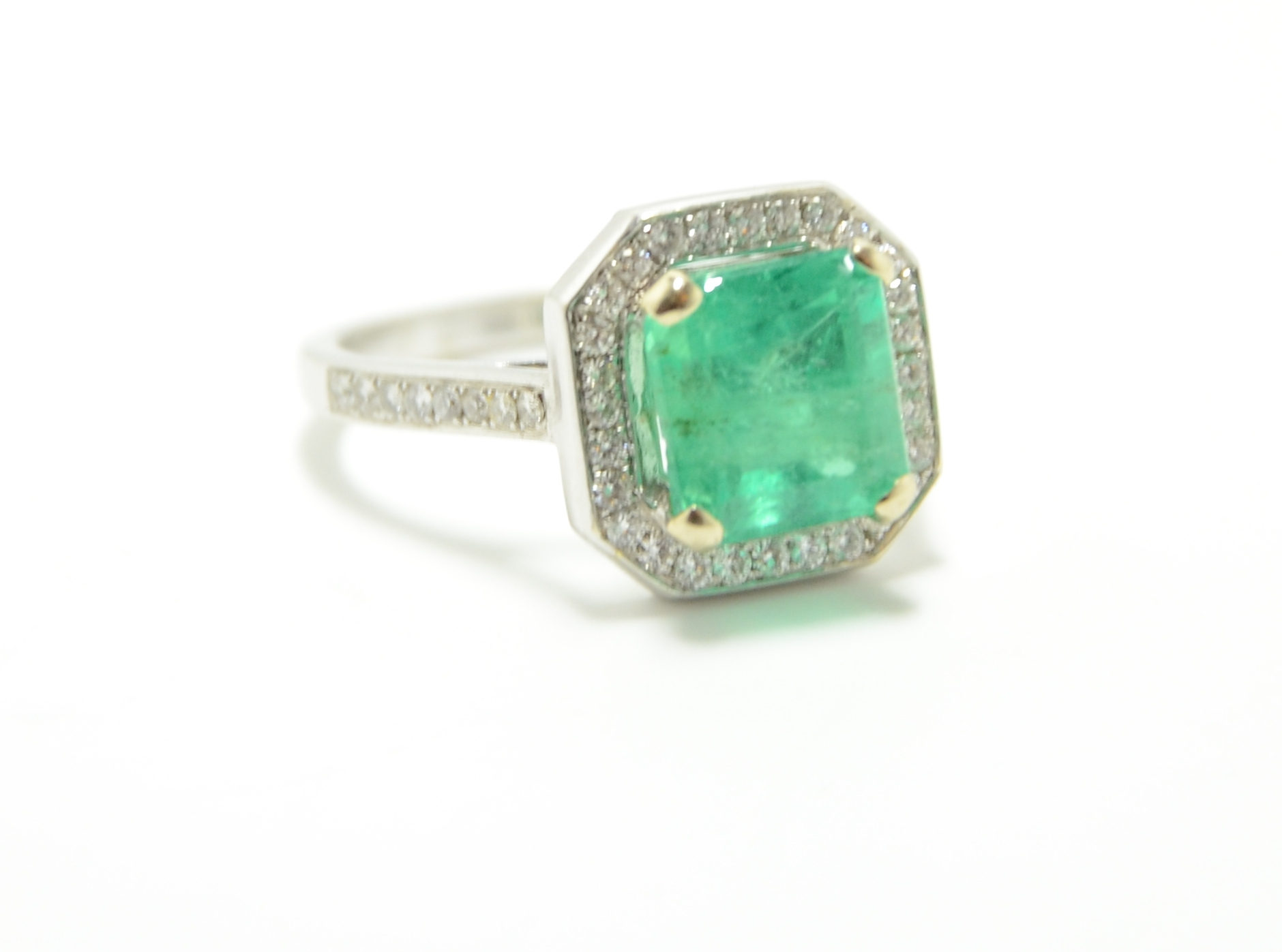 18k Diamond & Emerald Ring