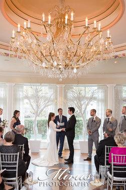 queens-landing-vintage-hotel-wedding-pho