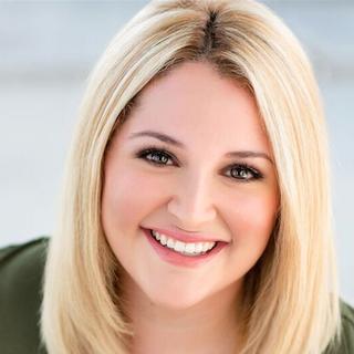 Stephanie Cabrera