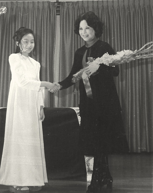 Li Li-Hua and unknown girl, January 1976