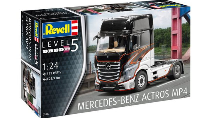 Revell 1:24 - Mercedes- Benz Actros MP4