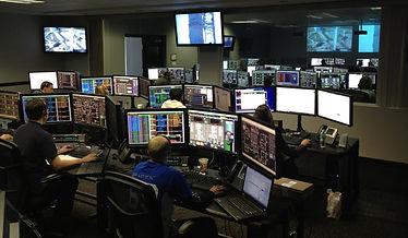 Industrial Equipment Monitoring Room - Foto de Pixabay no Pexels