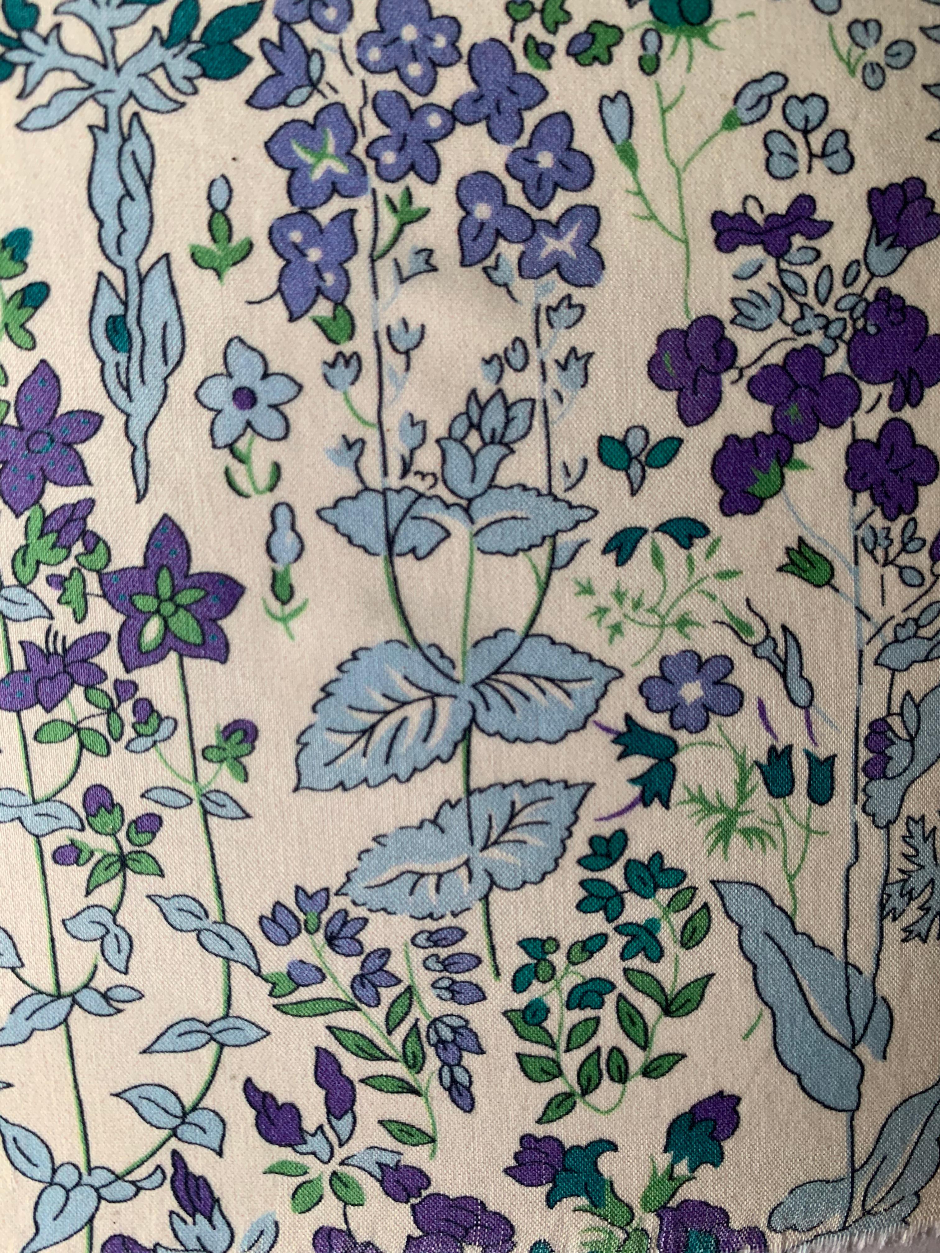 flower fild bleu.jpg