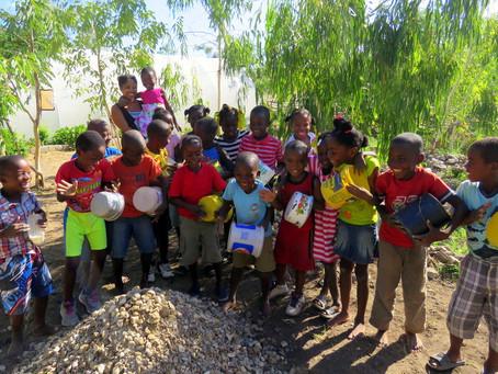 Foto Friday: Working together for the Kindergarten