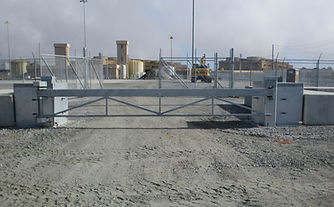 innovo-security-works-swing-arm-gate-concrete-mount