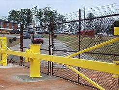 innovo-security-works-standard-swing-arm-gate