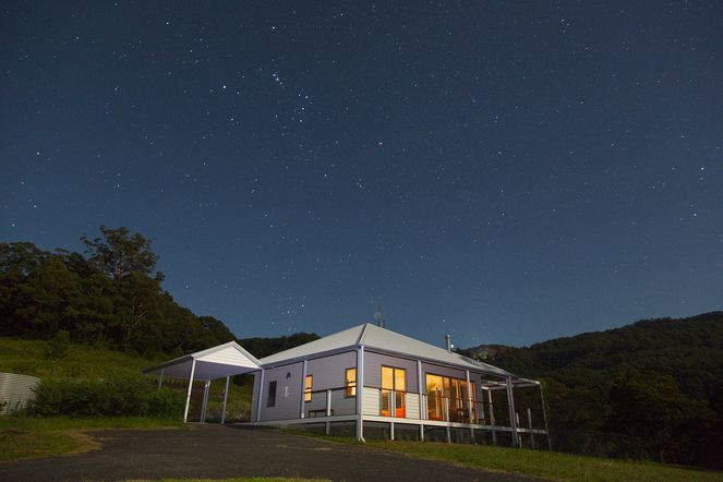 Cottage beneath the stars