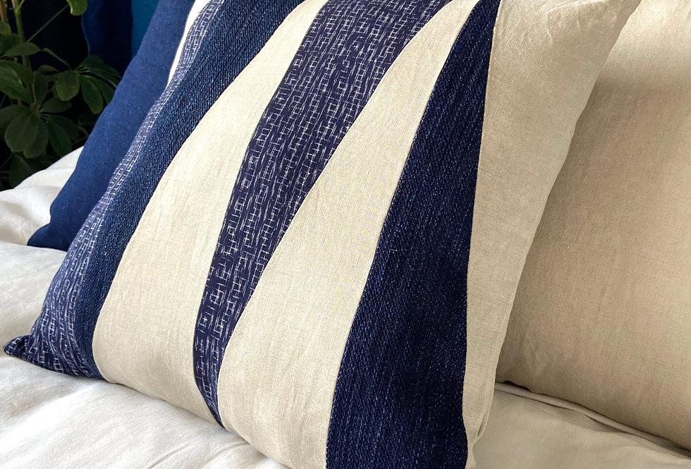 Quilted pillow - Indigo Ikat & linen
