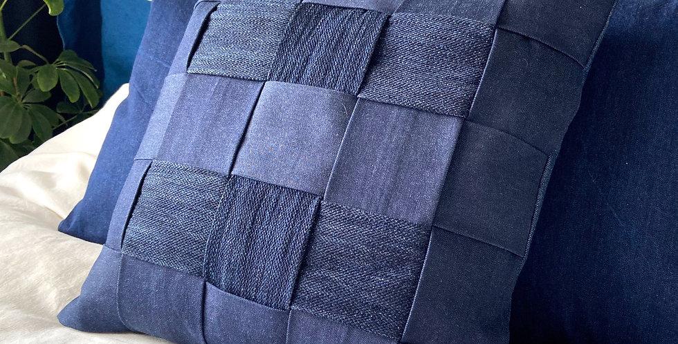 Pillow indigo braided