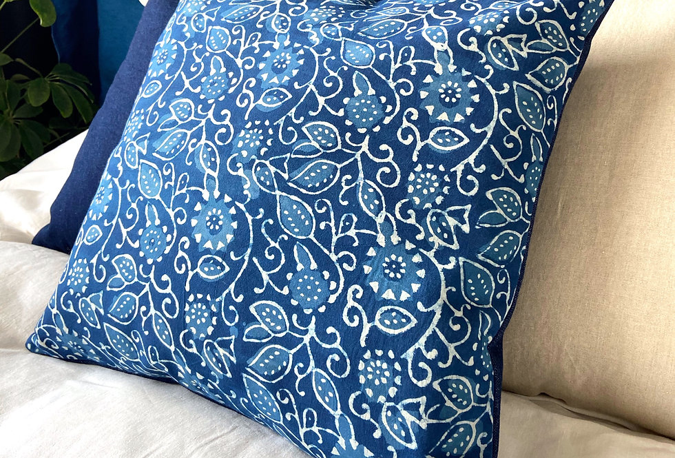 Pillow - woodblock print flowers