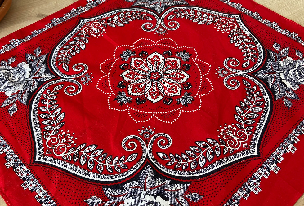 Bandana - red flower