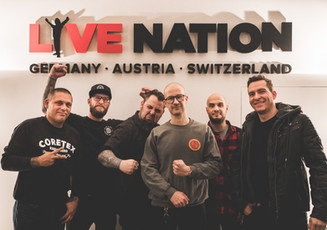 TOXPACK signt bei Live Nation