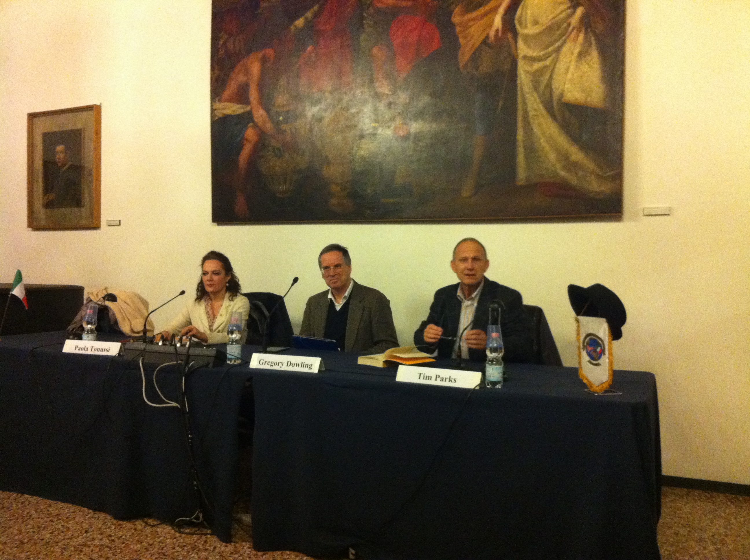 Paola_Tonussi,_Gregory_Dowling,_Tim_Parks,_Società_Letteraria_Verona_2013