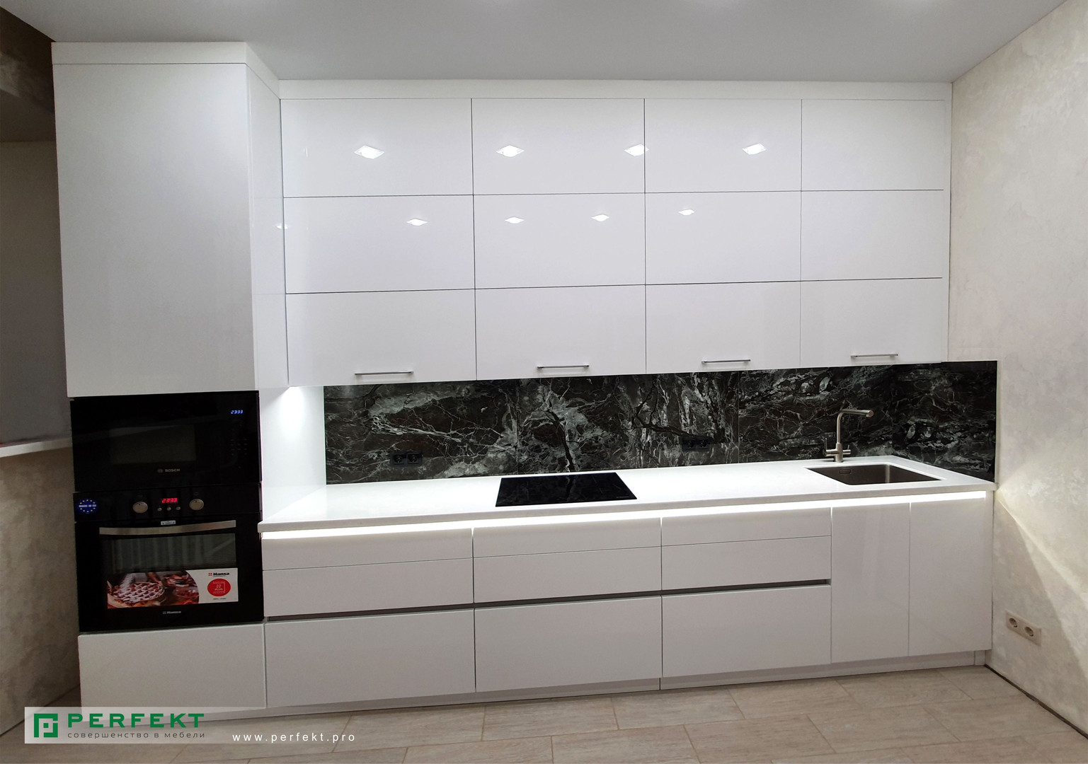 Кухня_Акриловое стекло_3,7 м.jpg