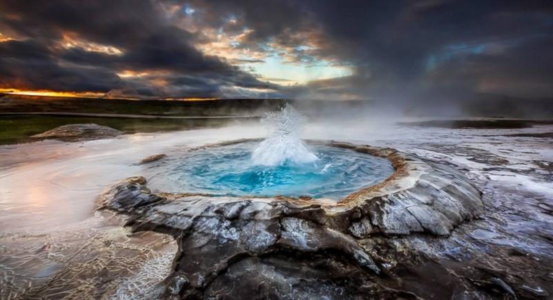 islanda_geyser_norama.jpg