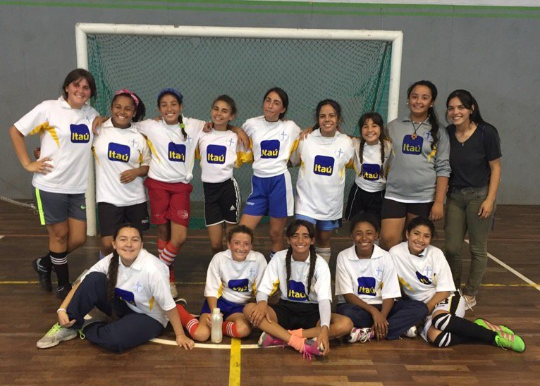 Fútbol con Colegio Alemán y Plaza 12