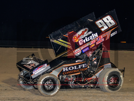 Sean Watts Continues to Take on World of Outlaws in California